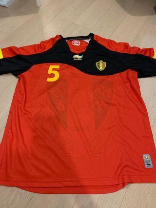 Belgium home shirt w/ 5 Vermaelen