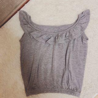 🚚 荷葉領短版無袖上衣 #半價衣服拍賣會