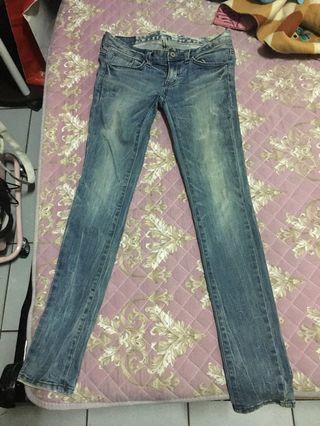 🚚 正韓Blupop Jeans 淺藍刷色春天 牛仔褲 煙管褲 AB褲  窄管牛仔褲 顯瘦 二手 26腰 #半價衣服拍賣會