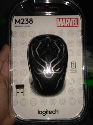 Mouse logitech edisi marvel Blackpanter