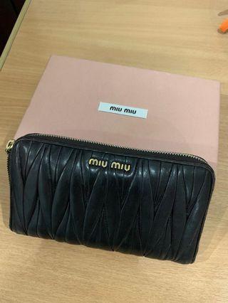 Authentic Miu Miu wallet Materasse Zippy