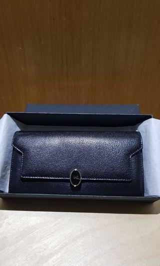 🚚 Anya Hindmarch Wallet