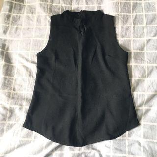 🚚 《二手》雪紡紗黑色削肩背心 #半價衣服拍賣會