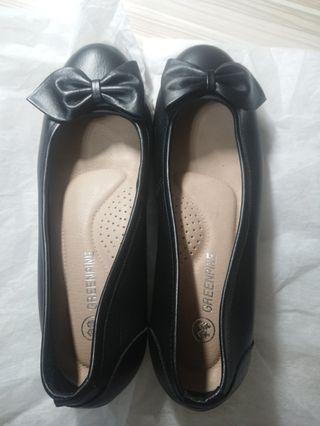 GREENPINE 黑色微跟女鞋