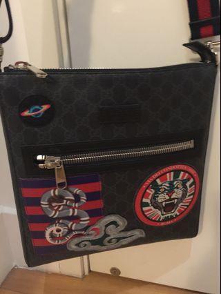 7b88518a2c48 Gucci GG Supreme Multicolor Patch Canvas Messenger Bag (Unisex)