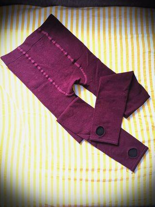 🚚 BNIB Stirrup Leggings in Wine Red and Forest Green
