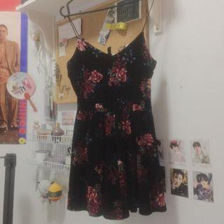 black & rose velvet dress