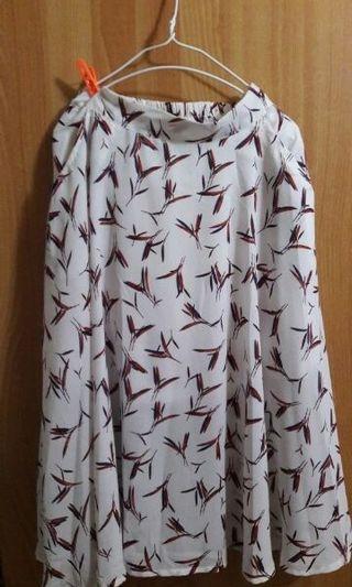 Queen Shop 滿版 葉子 雪紡 裙 #半價衣服拍賣會