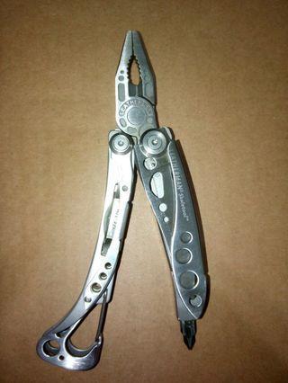 🚚 Leatherman Skeletool 工具鉗