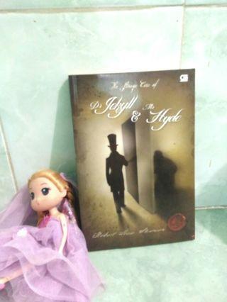 Novel the Strange Case of Dr Jekyll & Mr Hyde by Robert Louis Stevenson