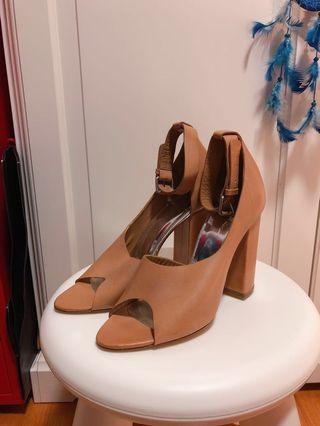 3.1 Phillip Lim 露趾粗踭涼鞋