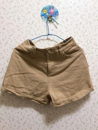 🚚 卡其色短褲