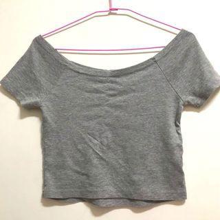 淺灰色短版圓領/一字領上衣 #半價衣服拍賣會
