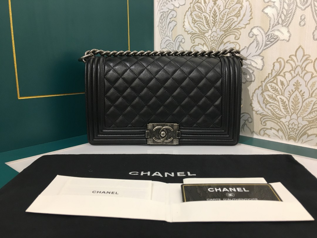 8c8b520c191b 25 Like New Chanel Boy Black Calfskin with RHW, Luxury, Bags ...