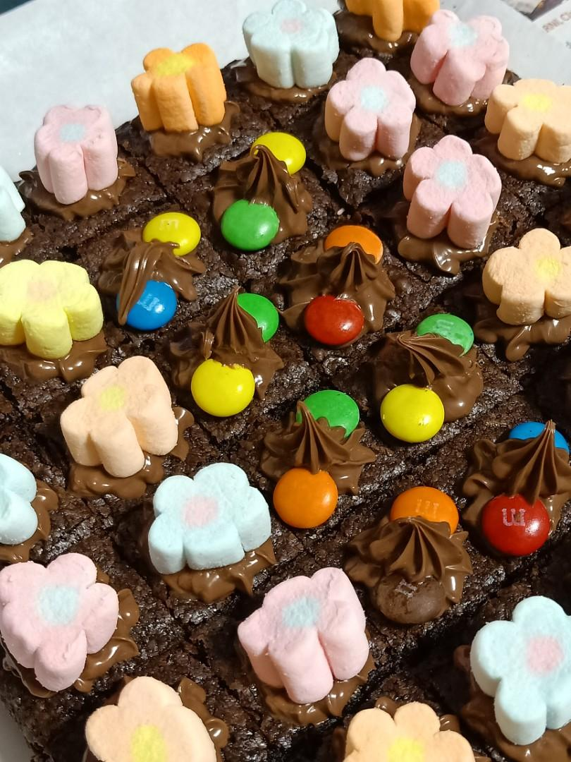 ⭐ Fudge Chocolatey Brownies 🍫