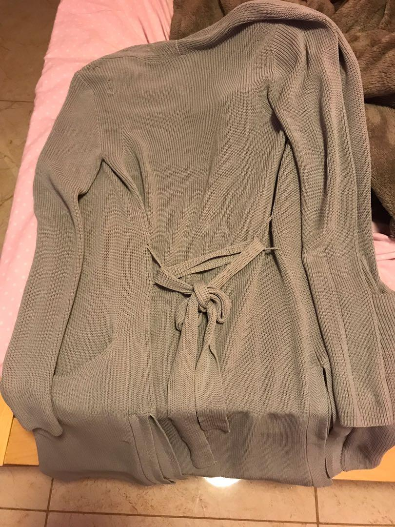 Aritzia Torcy Sweater in Ashen Size Small