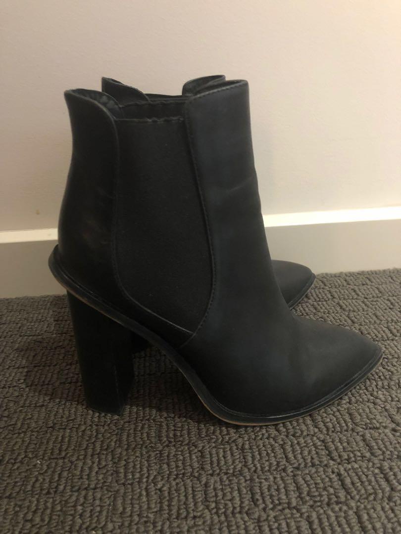 Black Ankle Leather Boots Alias Mae 'Aceta'