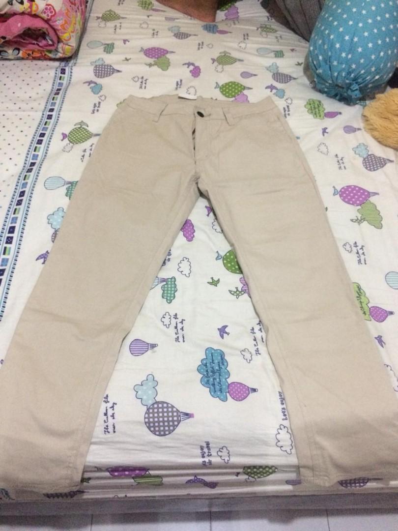 Celana panjang chino