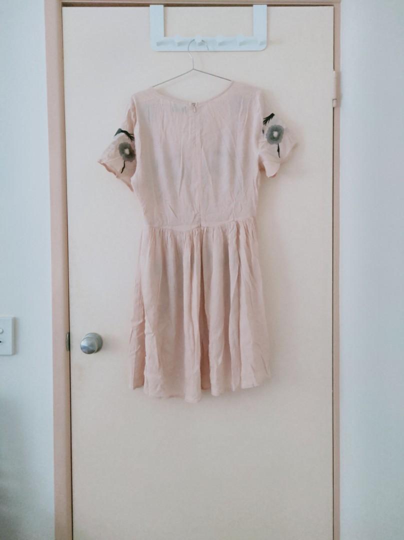 DOTTI pink dress with natural patterns