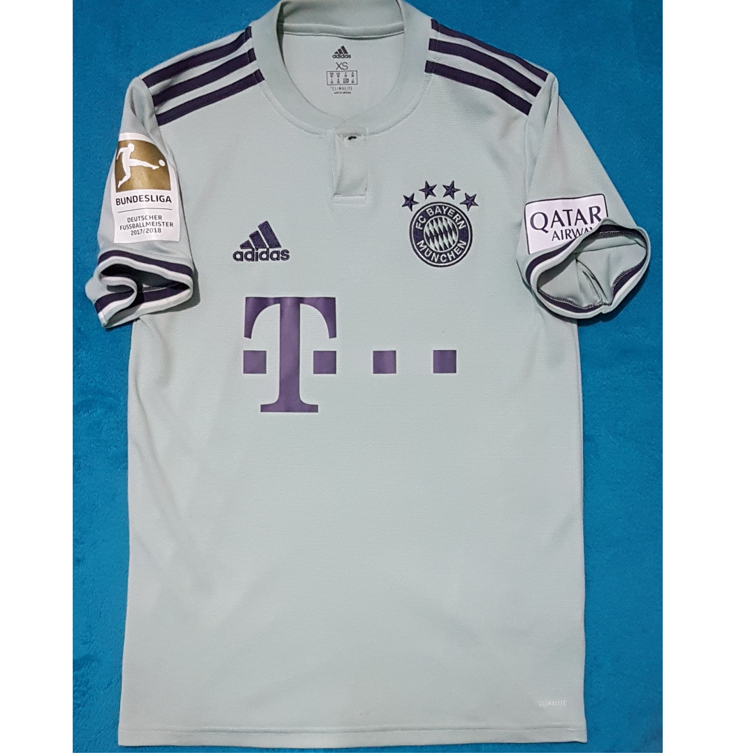 newest fc7a4 8cc45 Jersey Bayern Munchen Away 2019,Size XS, Authentic, Sports ...