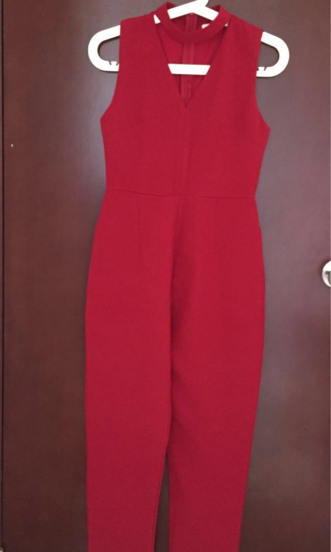Jumpsuit Merah