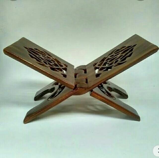 meja lipat dudukan al'Qur.an dari kayu jati