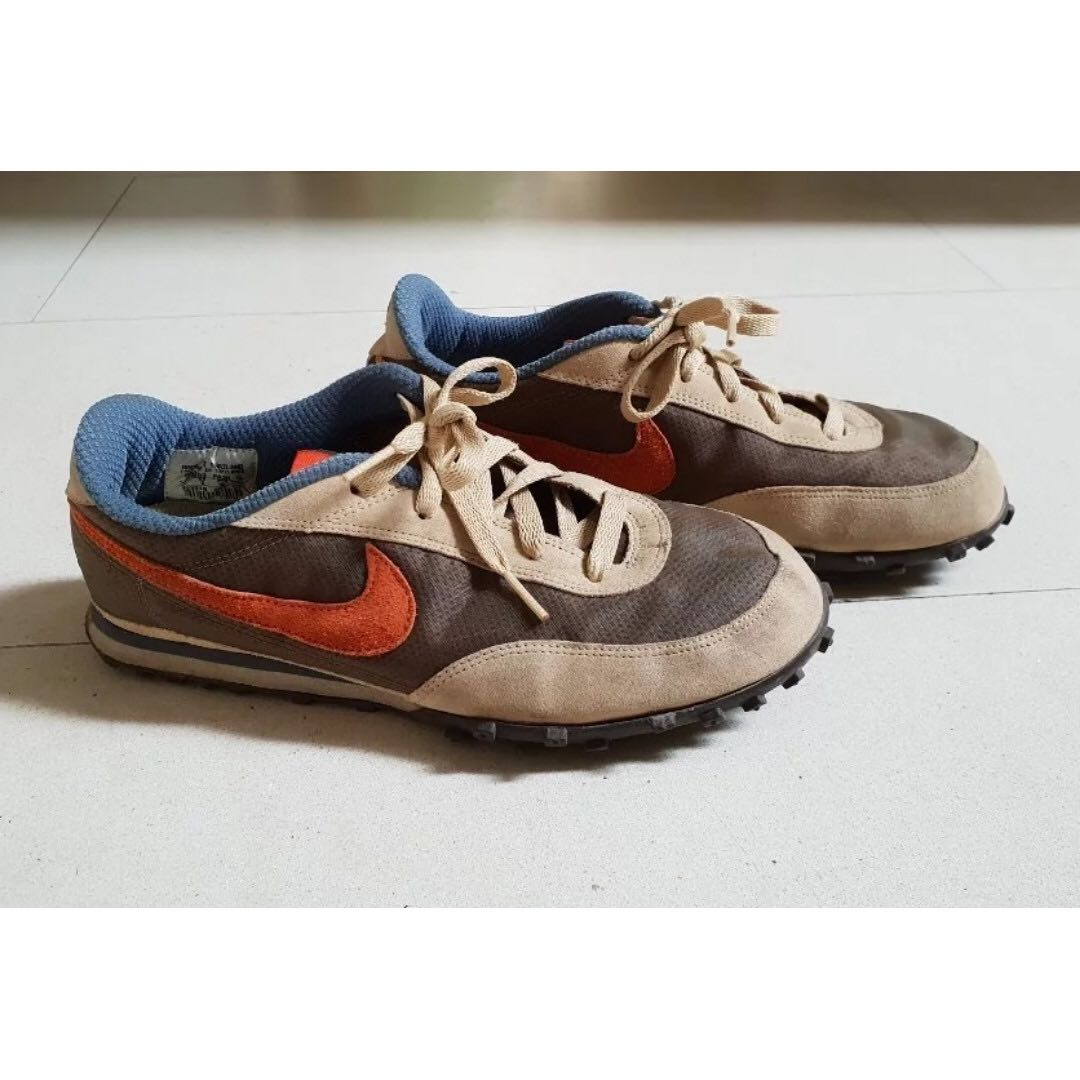 100% authentic 6573a 7eedf Nike Vintage Waffle Racer Sneakers US7 Women, Women s Fashion, Shoes on  Carousell
