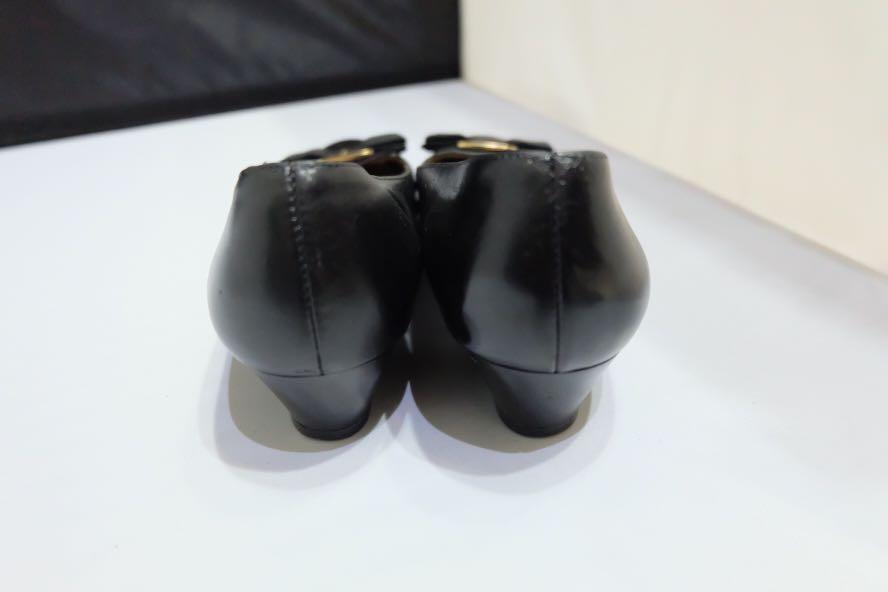 Salvatore ferragamo authentic pump shoes