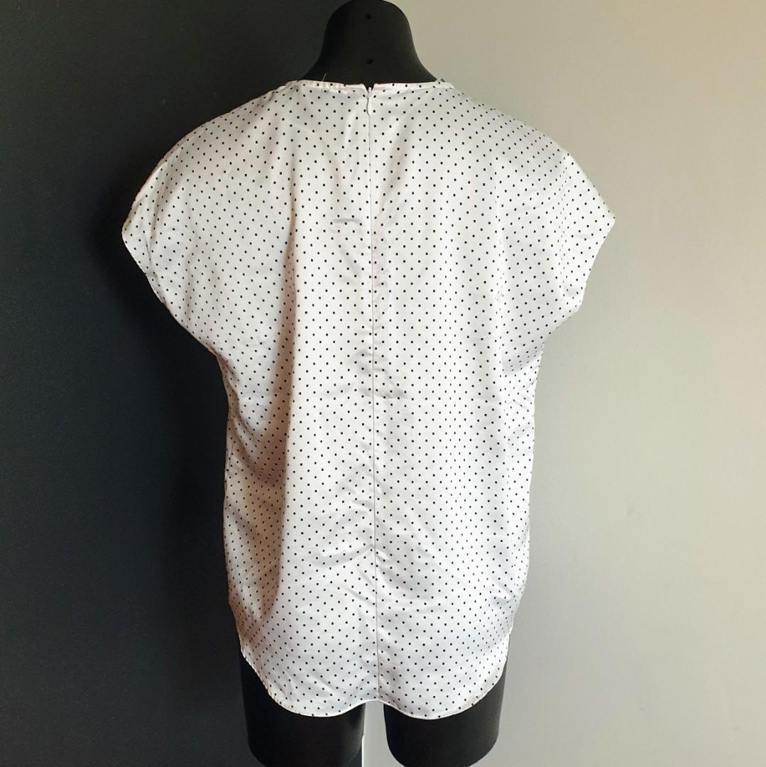 Women's size 10 'ESPRIT' Gorgeous white square polka dot short sleeve top blouse - AS NEW