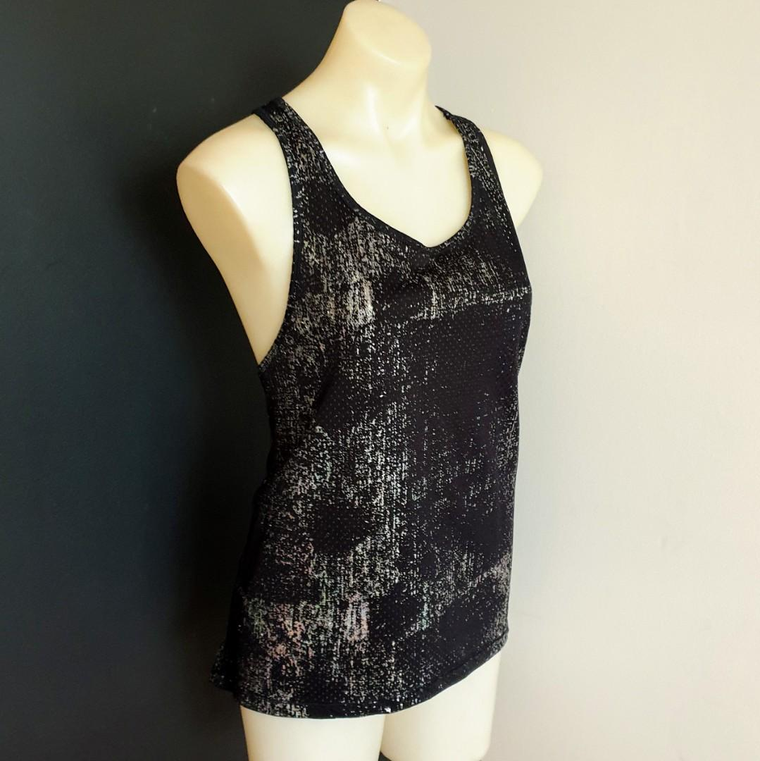 Women's size L 'BONDS' Gorgeous black and silver racerback singlet top - AS NEW