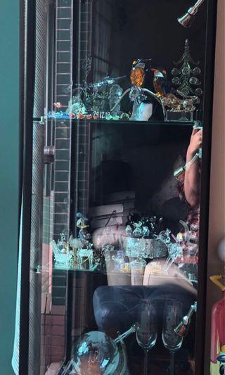 玻璃展示櫃-有射燈