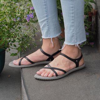 Camou Sandal Casual Wanita - Vivian Licorice Size 36-40