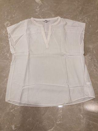 White Top Uniqlo