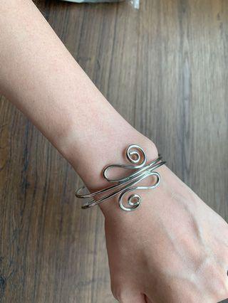🚚 Bracelet (Butterfly)
