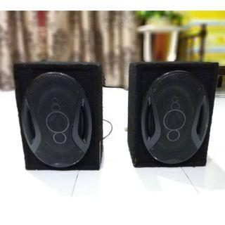 "1PAIR CAR SPEAKER 6""X9"" with box & carpet"