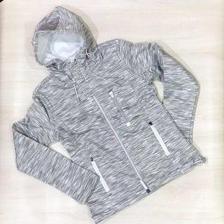 🚚 Superdry 橫紋灰白款 #半價衣服拍賣會