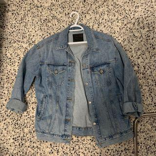 ARITZIA LEVIS OVERSIZED DENIM JACKET