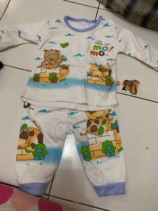 Set pakaian bayi