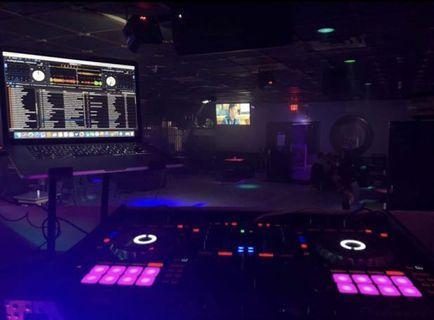 SX3 DJ Booth