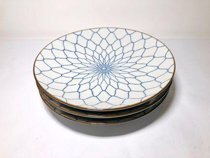 Set of 3 Fishnet Design Japanese Plates