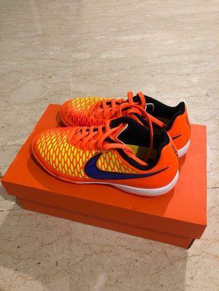 🚚 Street Soccer boots - Nike