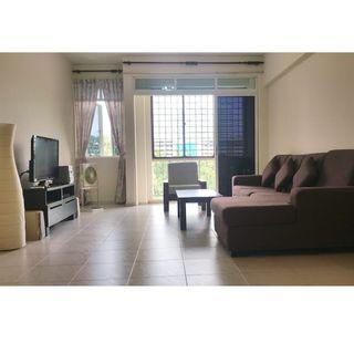 Spacious And Clean 3 Bedroom Condo For Rent!