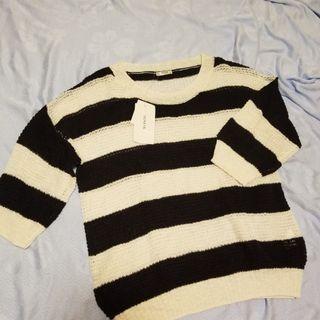 全新 Brand New 針織橫間上衣 中袖 sweater