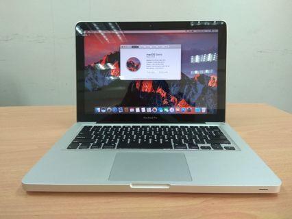 2011 MacBook pro i5 2.3ghz 4gb 500gb hdd