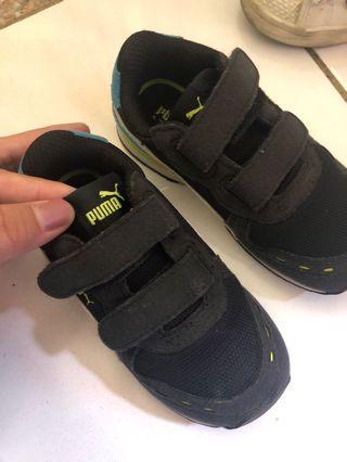 🚚 正品puma童鞋還很新15cm