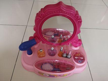 Dream Dazz Little Vanity Corner