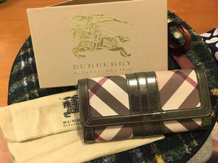 100% authentic Burberry long Wallet 長銀包連麈袋及盒