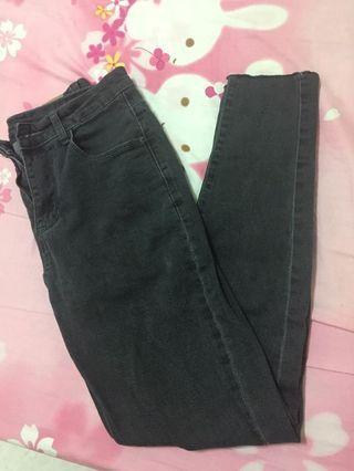 🚚 煙灰色牛仔褲#半價衣服拍賣會