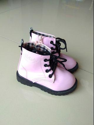 DOC MARTEN INSPIRED PINK LACE UP BOOTS FOR GIRLS