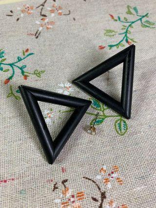 🚚 鐵三角 耳環#半價衣服拍賣會